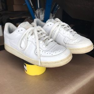 Nike White shoes size 6.5y